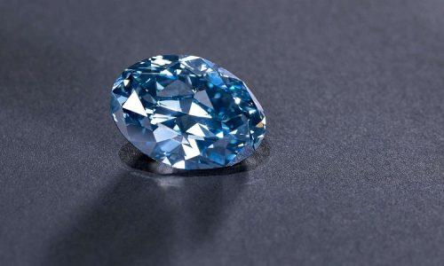 """一提到鑽石首飾,為何都是會想送""""戴比爾斯"""""""